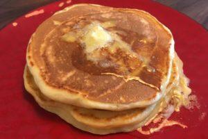 常備食材の小麦粉とスキムミルクで作る「ホットケーキ」