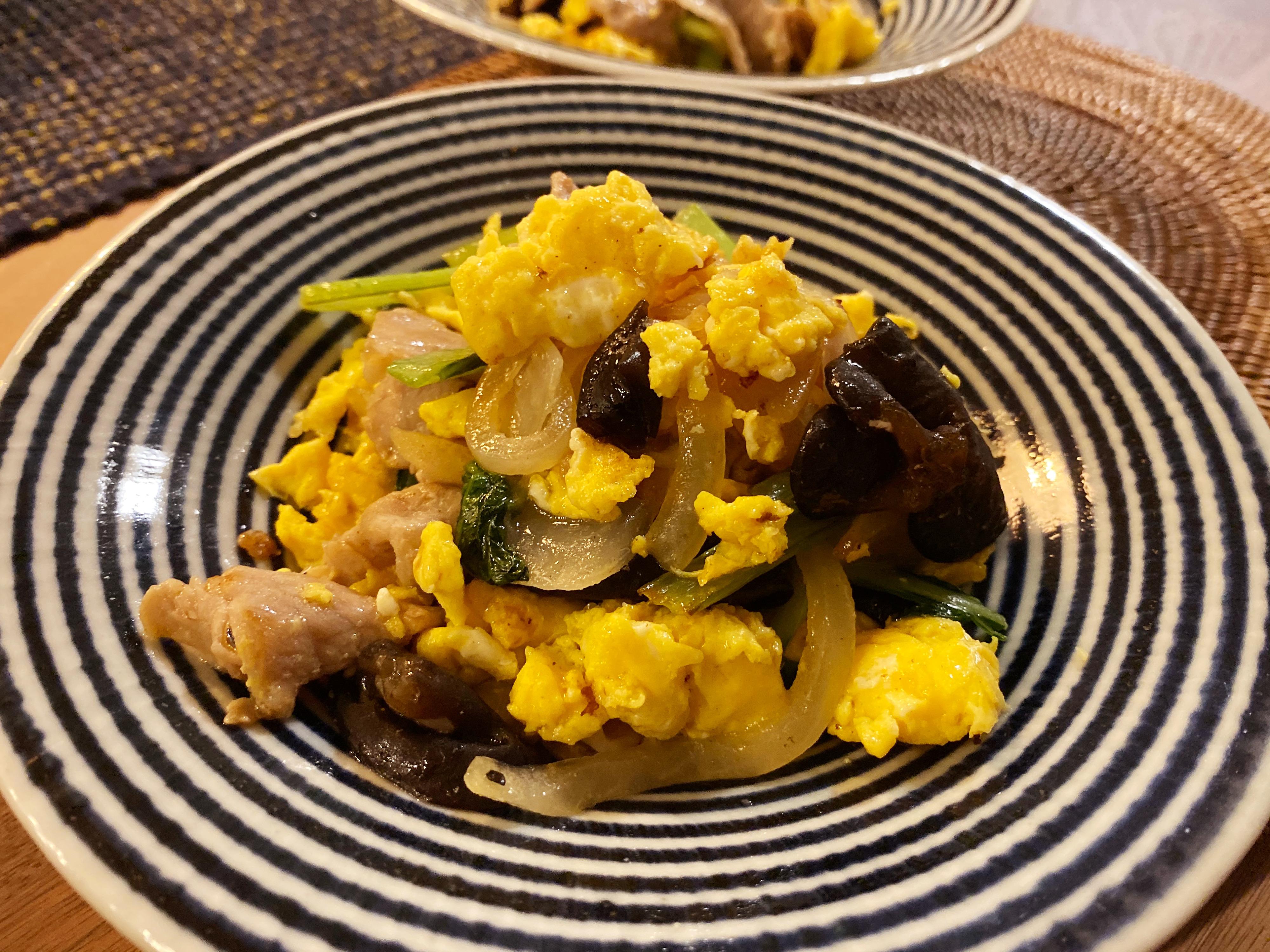 と の と 卵 炒め 物 きくらげ 豚肉