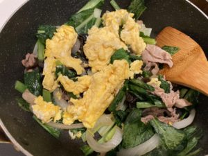 【料理】生協(コープ)のミールキット「豚肉ときくらげと小松菜の卵炒め」