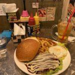 【長野駅から徒歩6分】「マウンテンキュー」でボリューミーなグルメバーガーをいただきました!