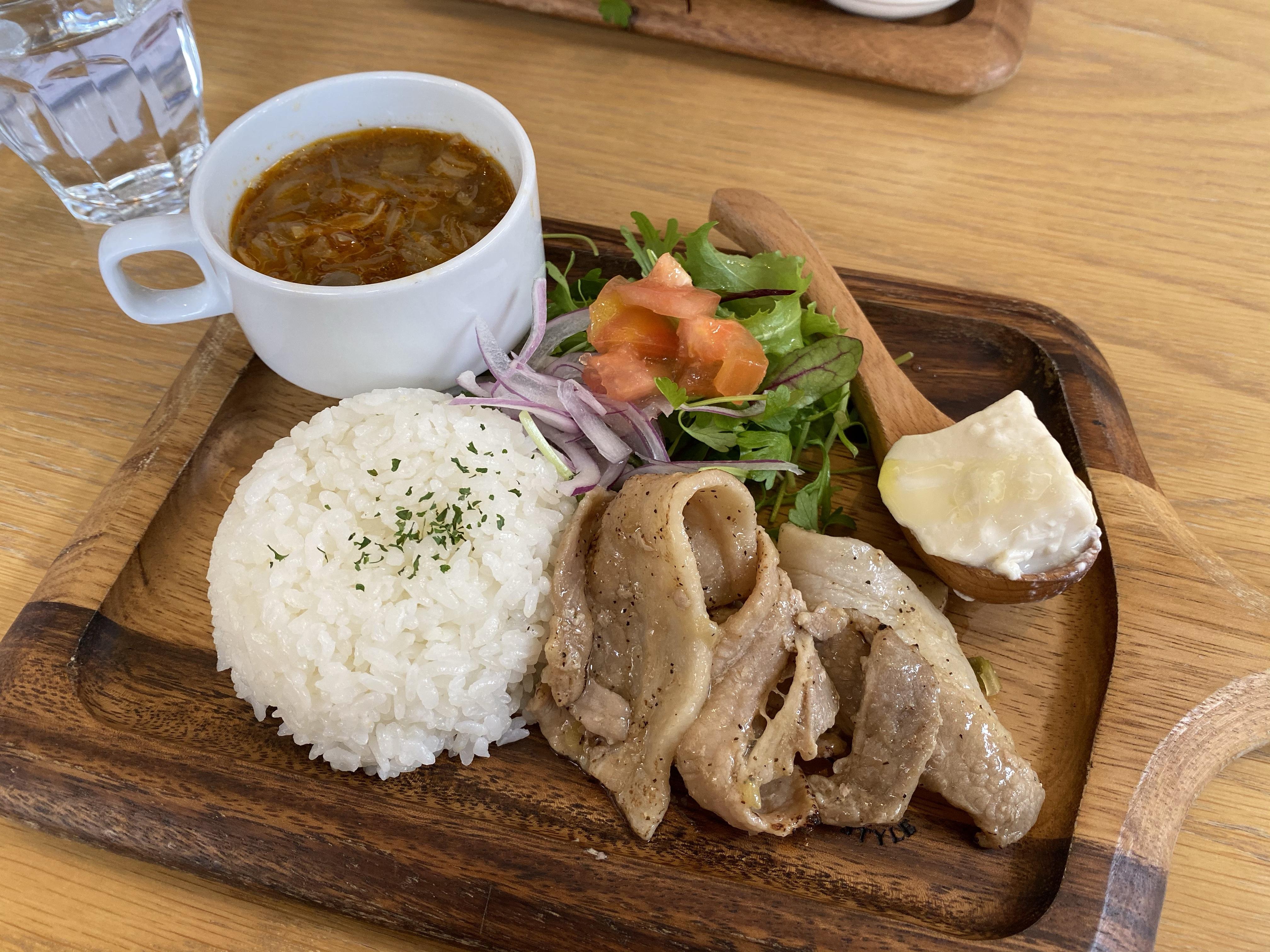 【長野駅から徒歩5分】「カフェ サラダタベル」で平日限定「ワンコインランチ」をいただきました!
